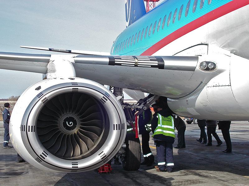 SSJ100 engine