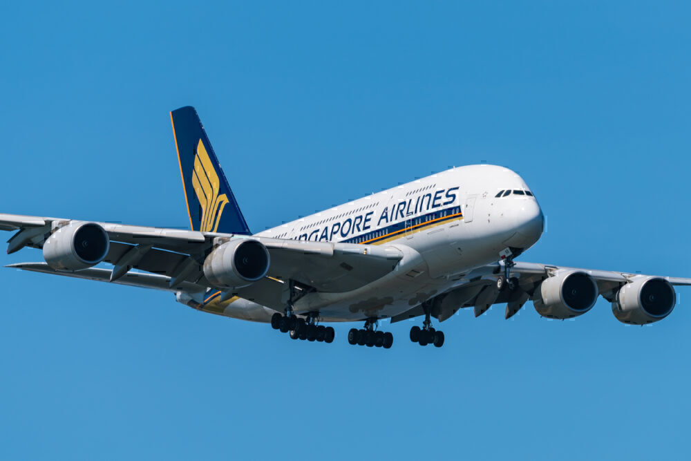 Singapore Airlines Airbus A380-841 9V-SKR