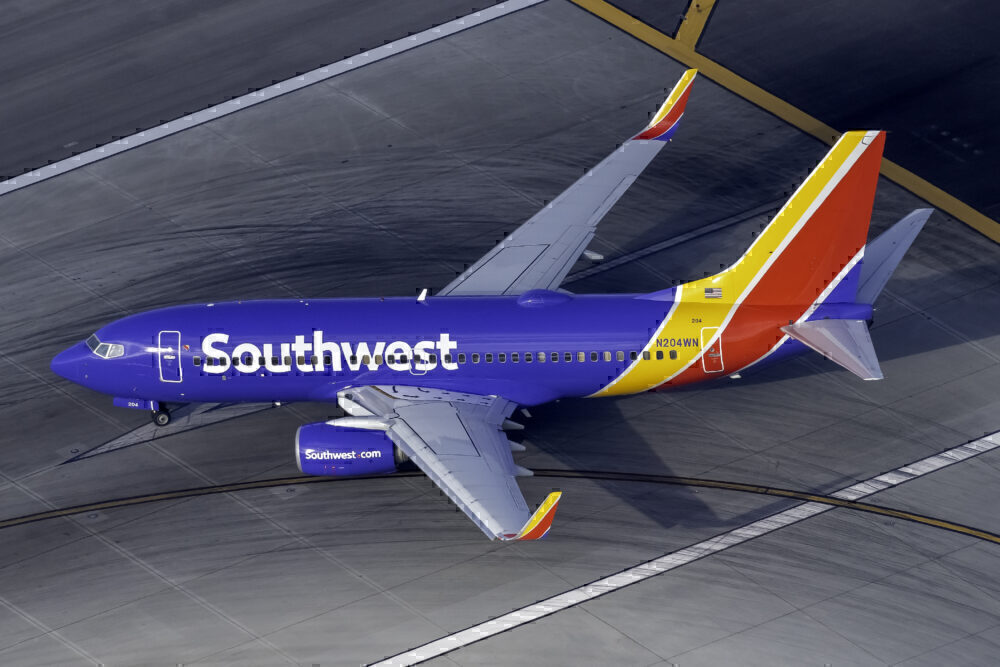 Southwest Airlines Boeing 737-7H4 N204WN