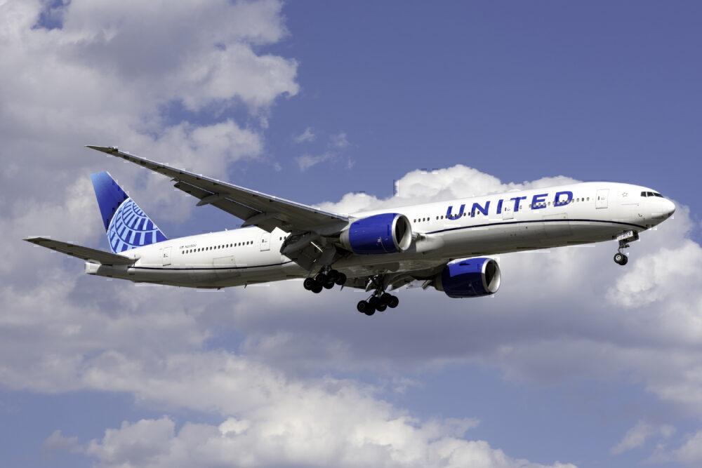 United Airlines Boeing 777-300ER