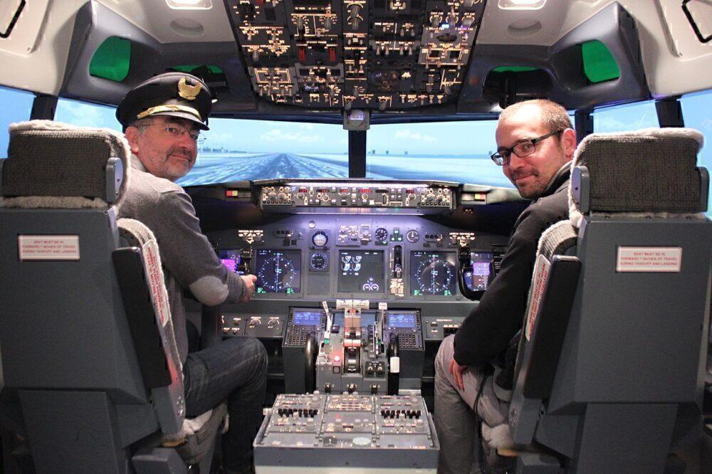 boeing-737-800-cockpit