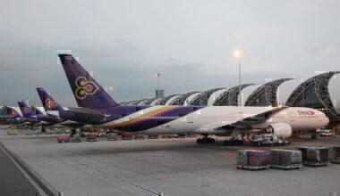 1280px-Thai_Airways_International_Boeing_777-300;_HS-TKE@BKK;29.07.2011_612dn_(6298436128)