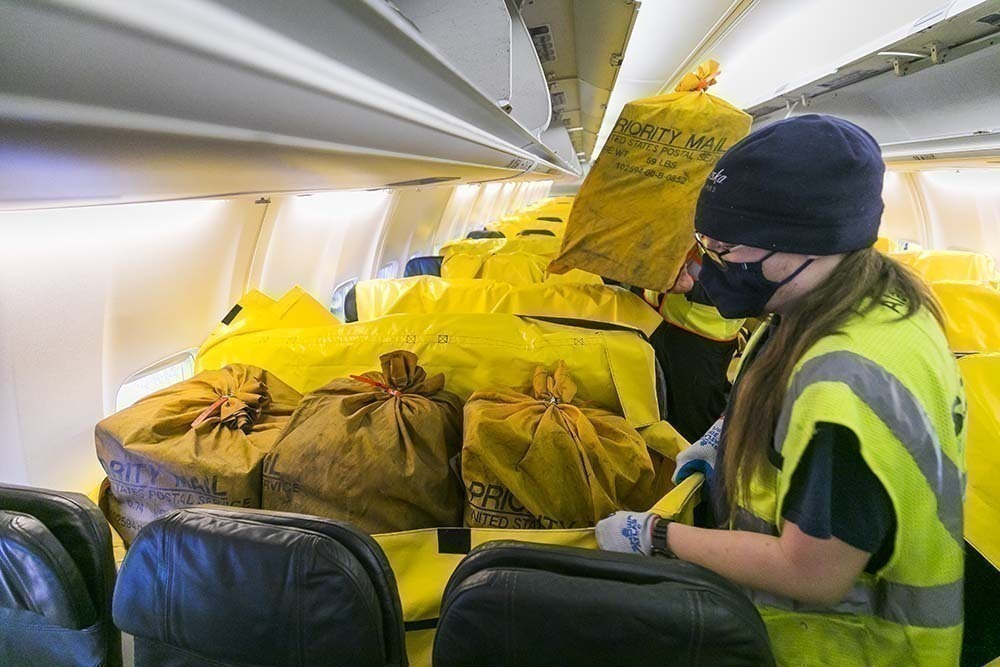 Alaska Airlines Flew First Cargo-In-The-Cabin Boeing 737 Flight