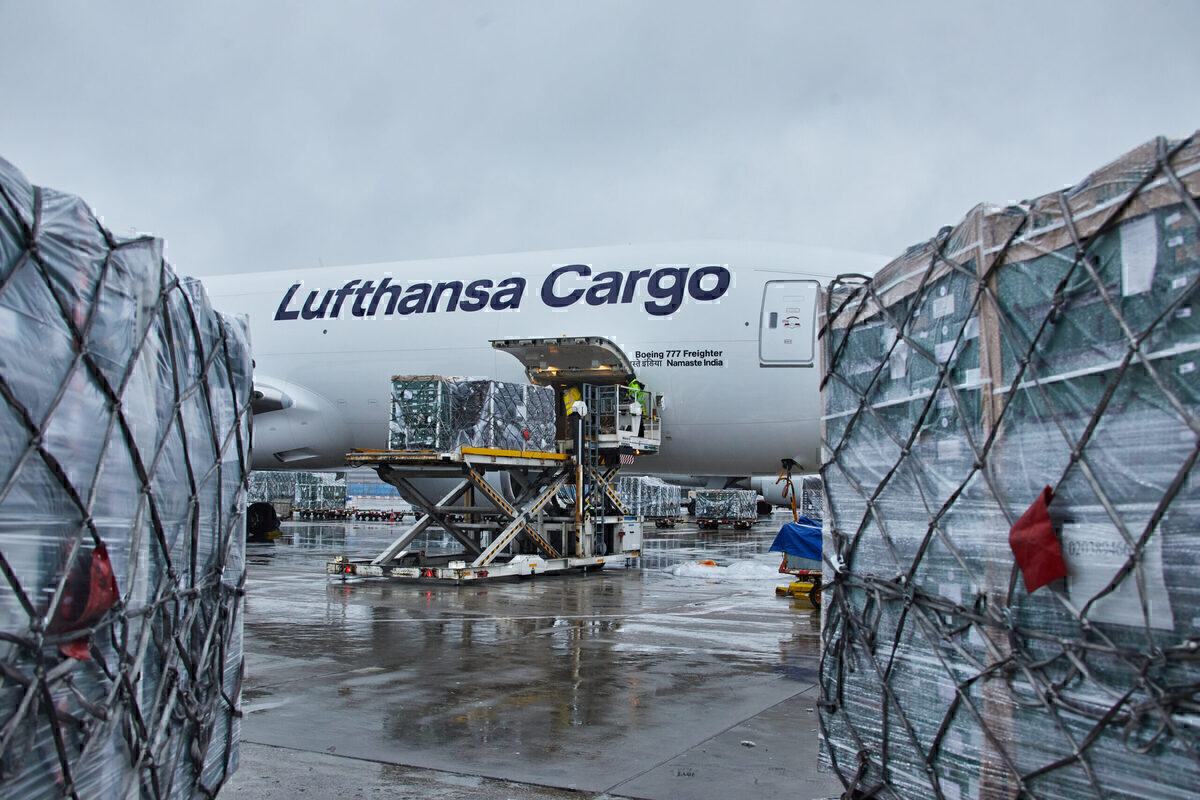 Lufthansa, Boeing 777F, Christmas Food