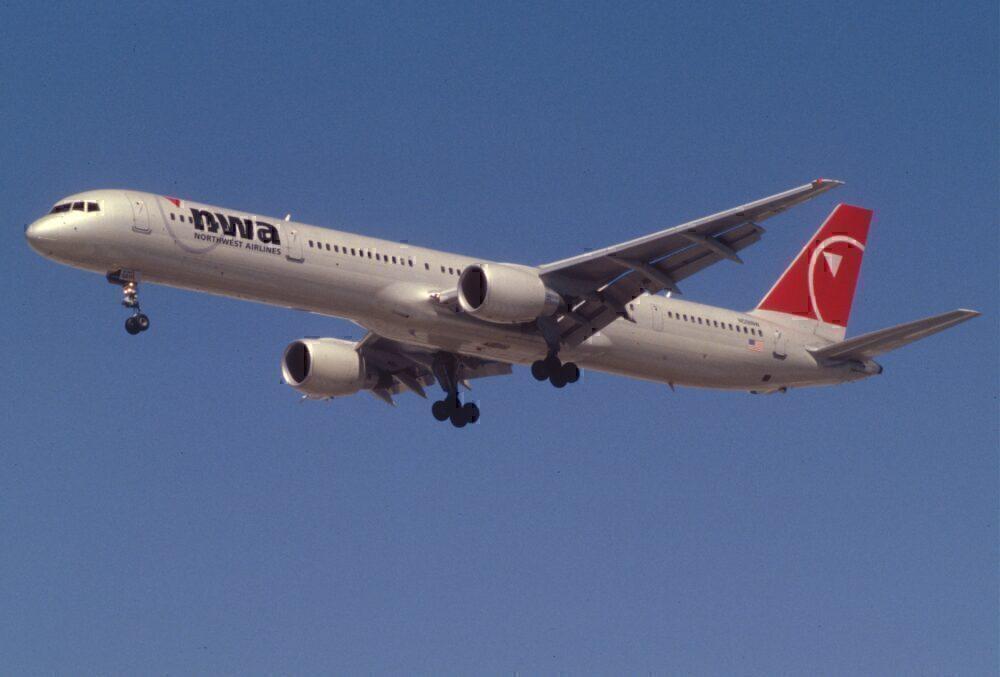 NWA 757-300