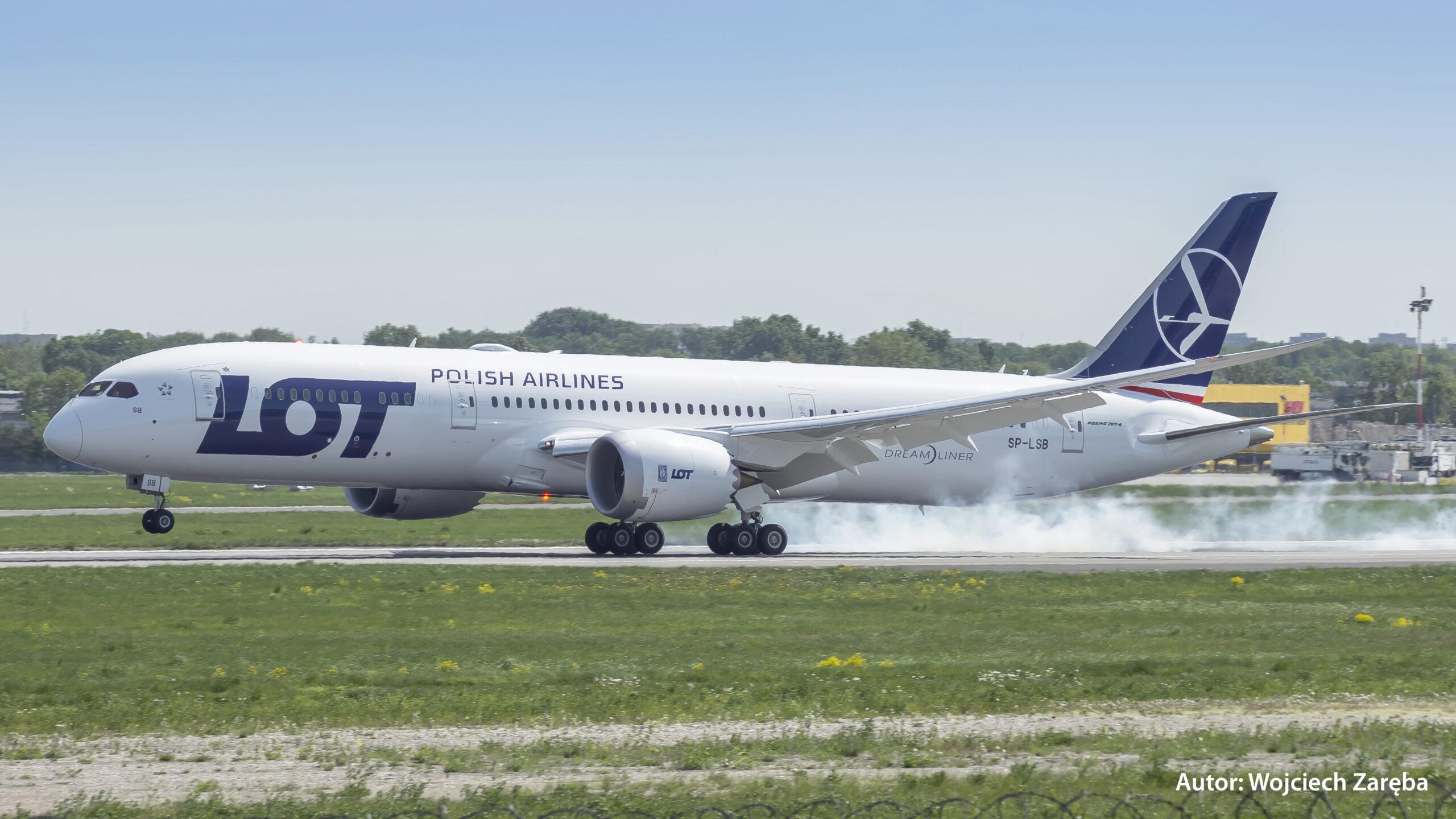 Lot Polish 787