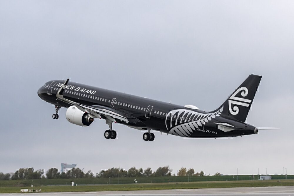 Air-New-Zealand-A320-Crew-Return