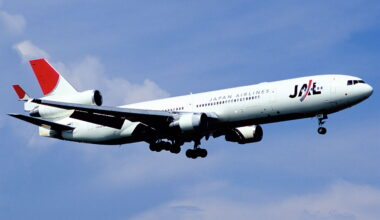 Japan Airlines MD-11