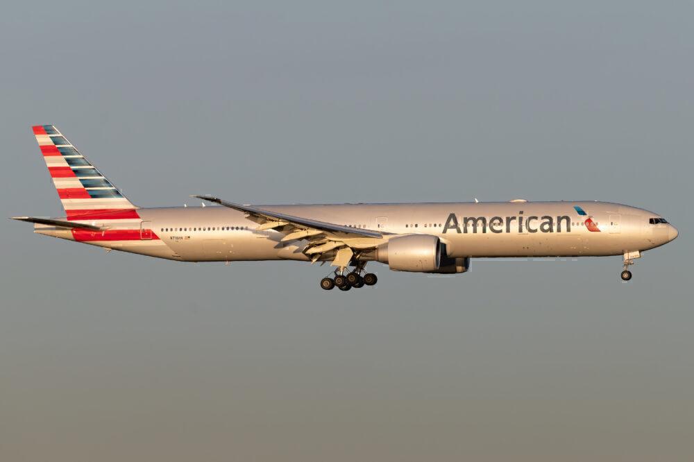 American 777-30)ER