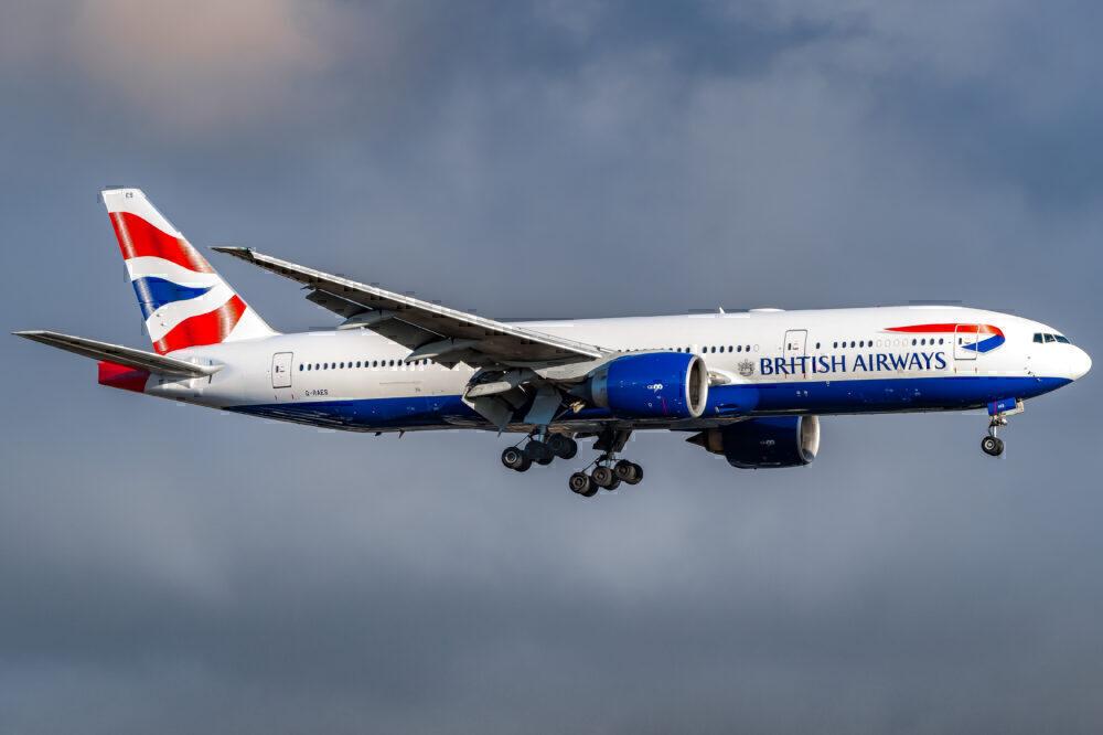 British Airways Boeing 777-236(ER) G-RAES