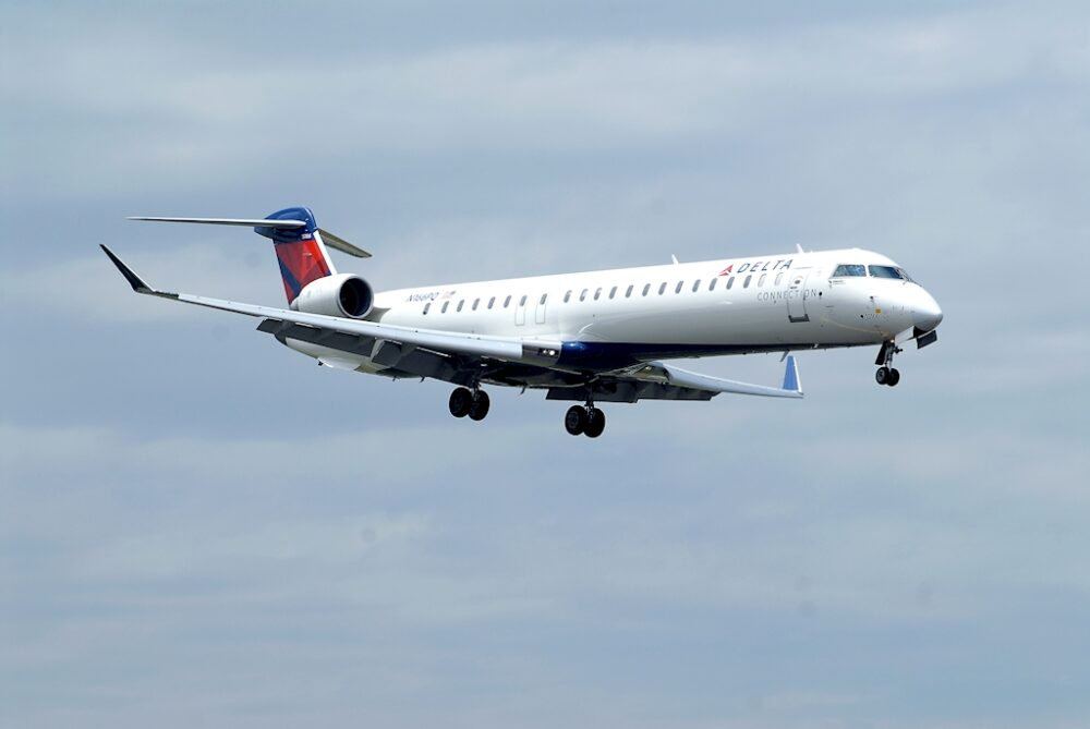 Delta Connection CRJ