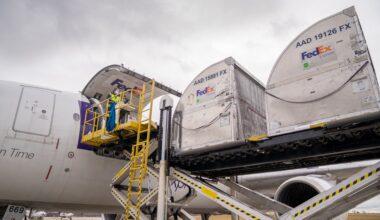 FedEx Vaccine Shipment