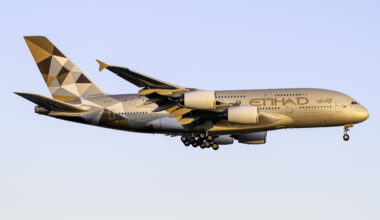 Etihad Airways Airbus A380-861 A6-APF