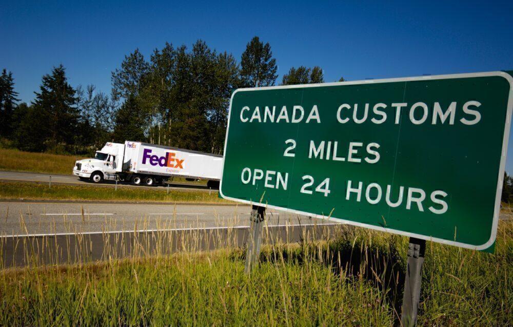 FedEx Canada Border