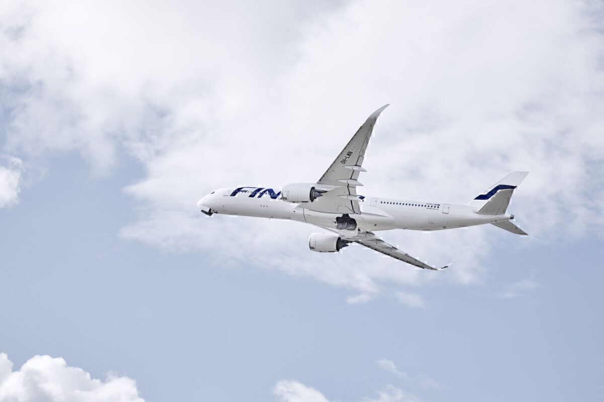 Finnair_A350_Plane_Flying