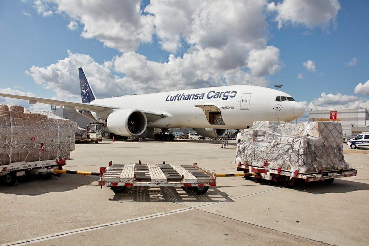 Lufthansa Cargo, COVID-19 Vaccine, Transport
