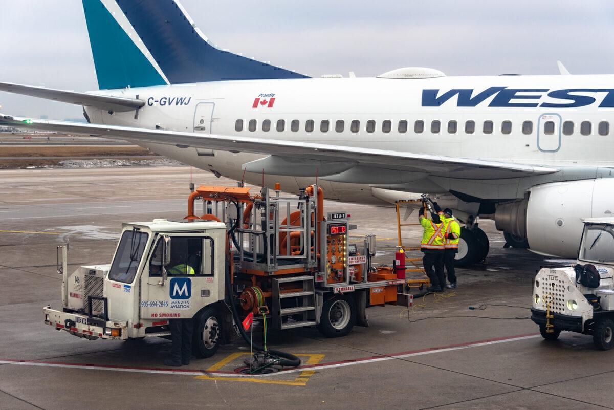 WestJet, Capacity Cut, Staff stood down