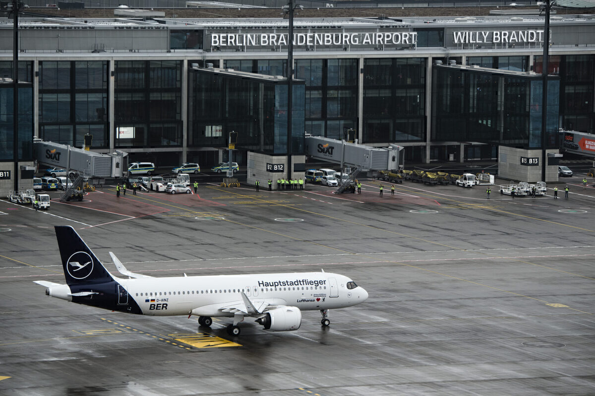 Lufthansa, Eurowings, Berlin Brandenburg Airport