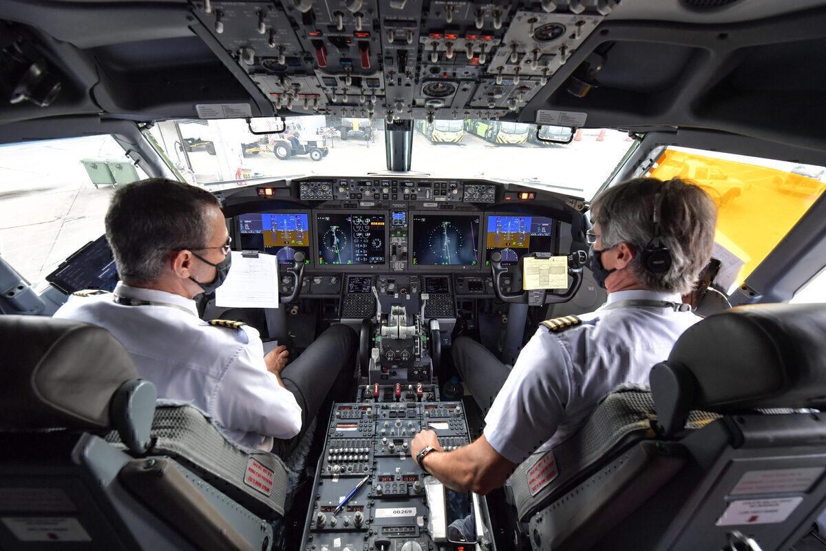 GOL Getty B737 MAX Cockpit
