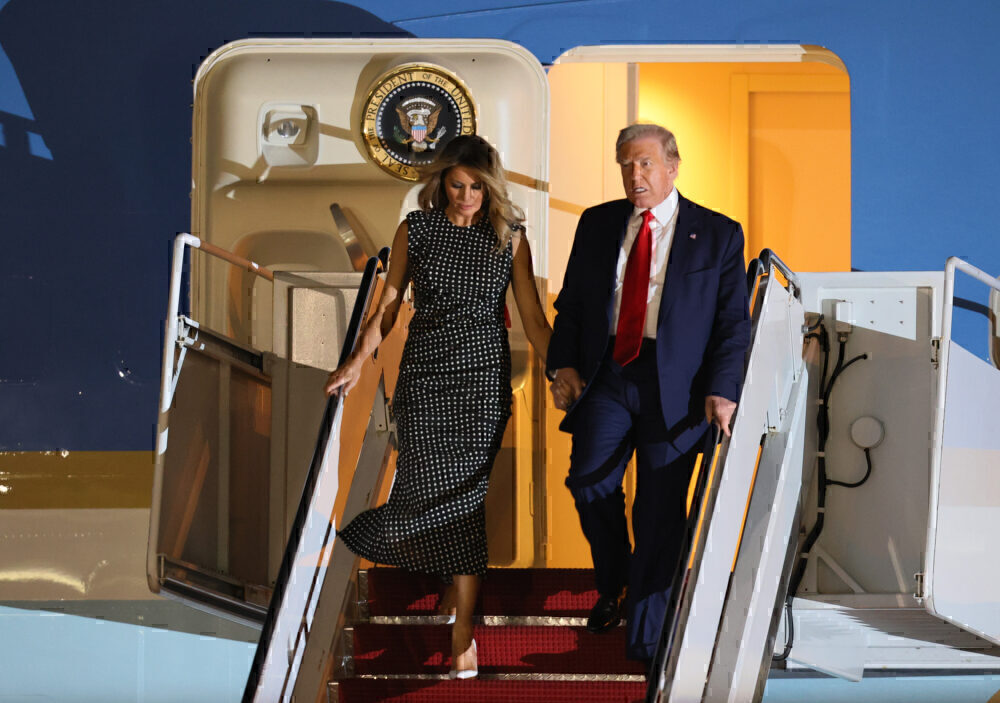 President Trump and Melania exit Air Force One Palm Beach Airport