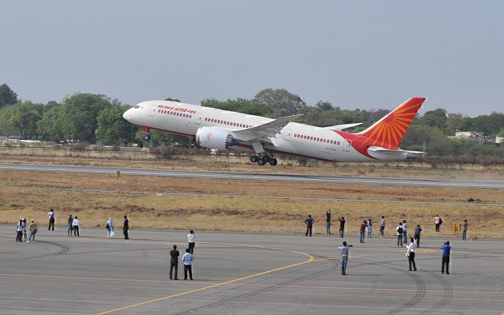Boeing_787-8 Air India