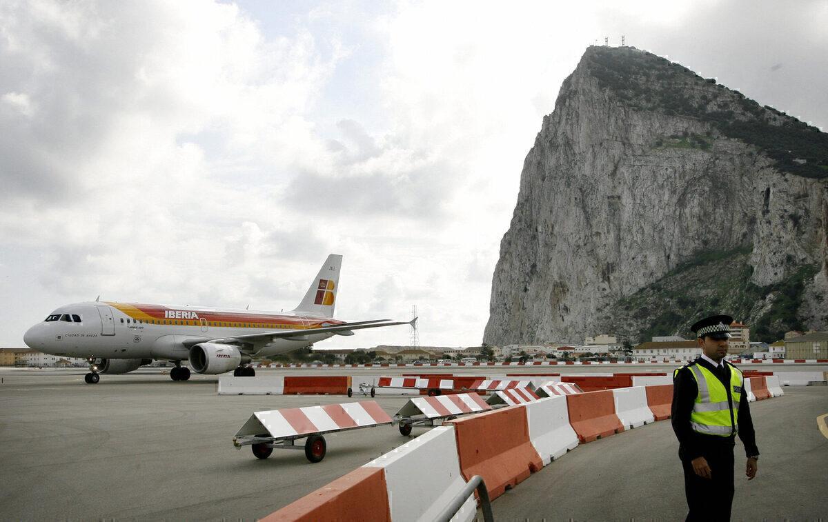 Gibraltar, Airlines, British Airways
