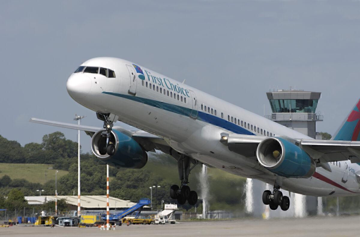 First Choice Airways 757-200