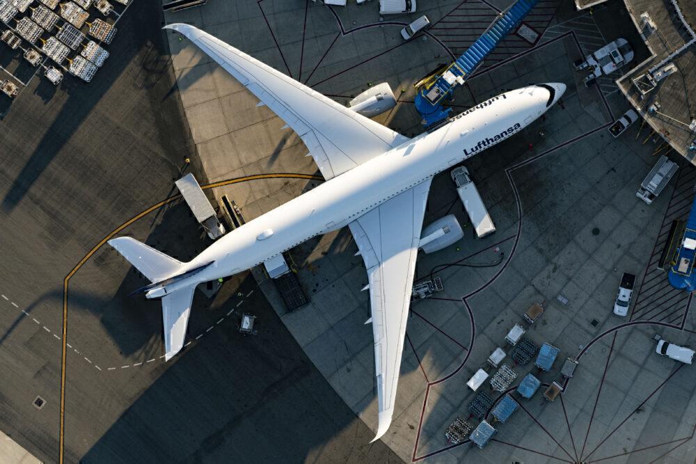 Lufthansa Airbus A350-941