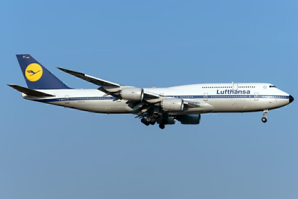Lufthansa 747-8 Retro JFK