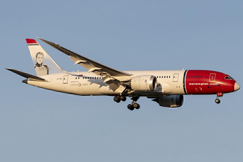 Norwegian Boeing 787-8 Dreamliner LN-LND