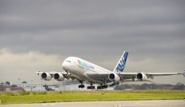 rsz_airbus_50th_anniversary_-_formation_flight_-_a380_taking_off