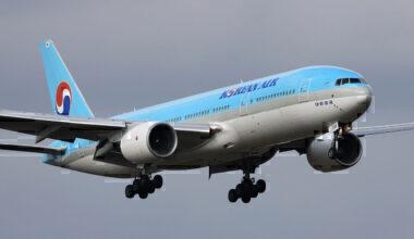 1280px-Korean_Air_B777-200ER(HL7598)_(4085131325)