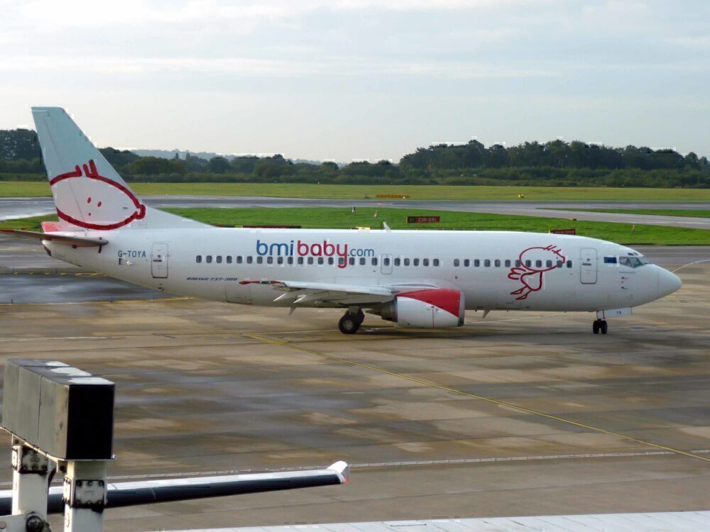 Bmibaby Boeing 737-300 Manchester