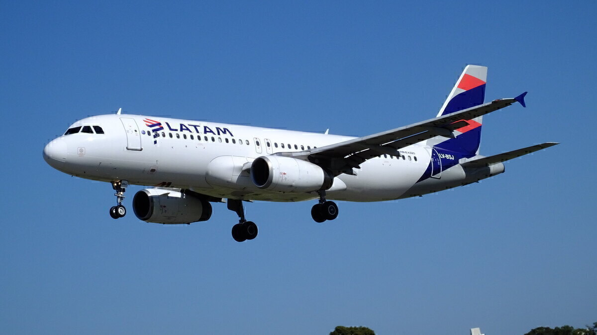 LATAM Airbus A320 Rejects Takeoff Due To Engine Failure In São Paulo