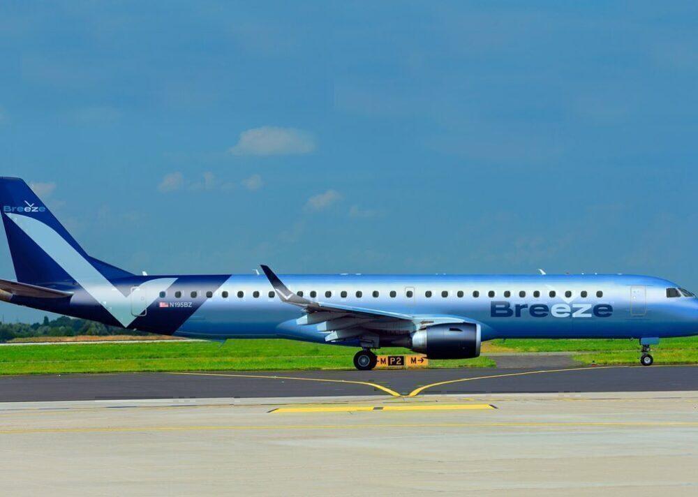 Breeze Airways plane