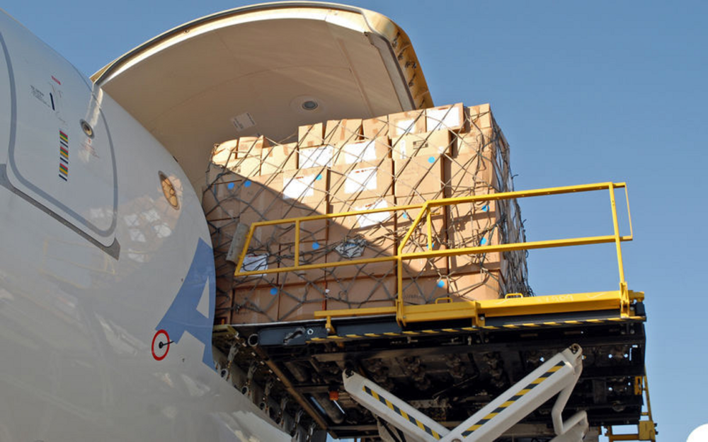 Freighter-to-cargo-converstion