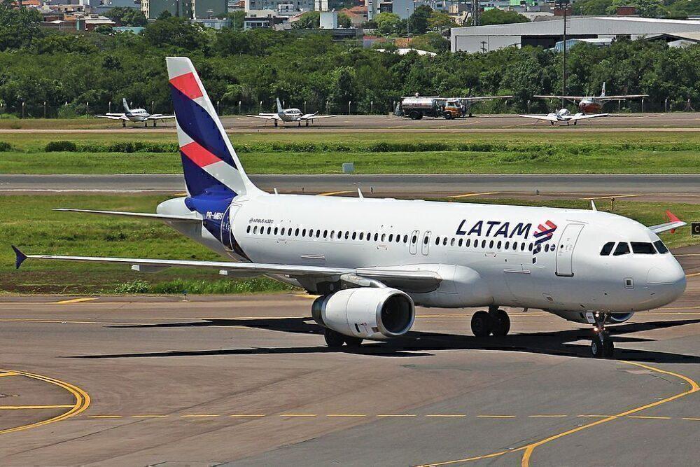 LATAM Brazil Airbus A320