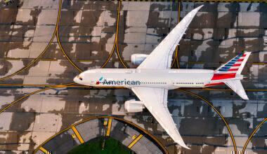 American Airlines Boeing 787-8 N819AN (1)