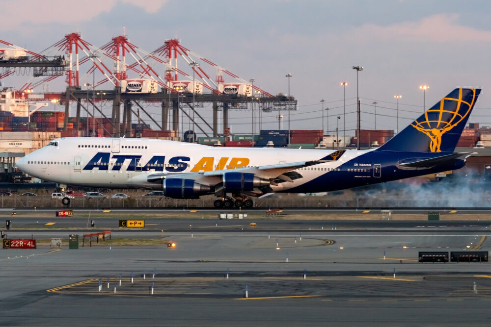 Atlas Air Boeing 747-481 N322SG