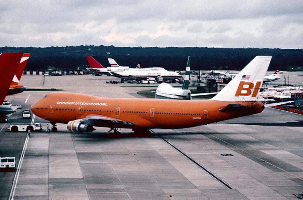Braniff Boeing 747-100