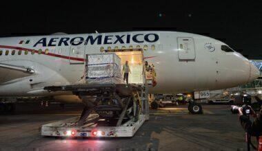 COVID-19 distribution vaccine Aeromexico