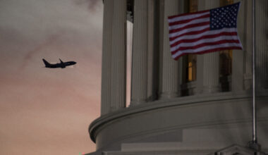 Plane and US capitol
