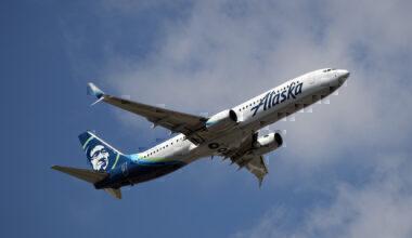 Alaska Airlines 737-990