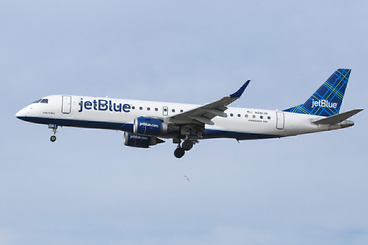JetBlue, Airbus A220, First Delivery