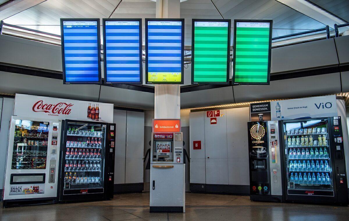 Berlin Tegel Airport, Auction, Sale