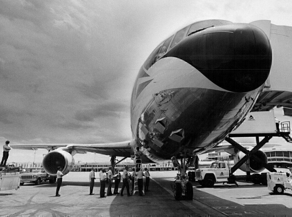 Delta AIr Lines Lockheed L-l 01 1-500 1979