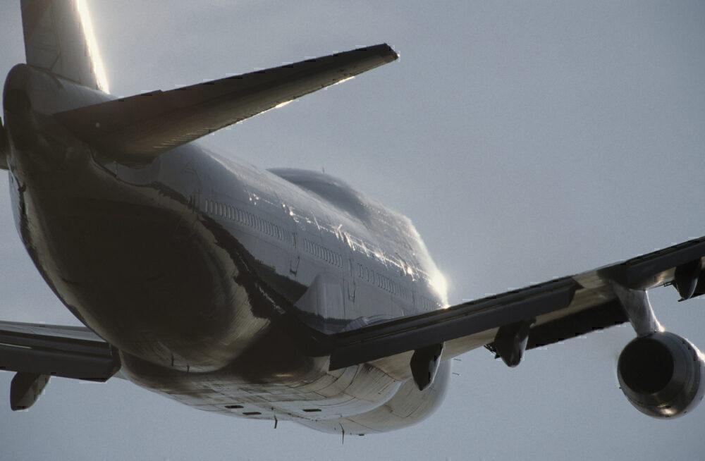 British Airways Boeing 747-400 climbing away after take-off