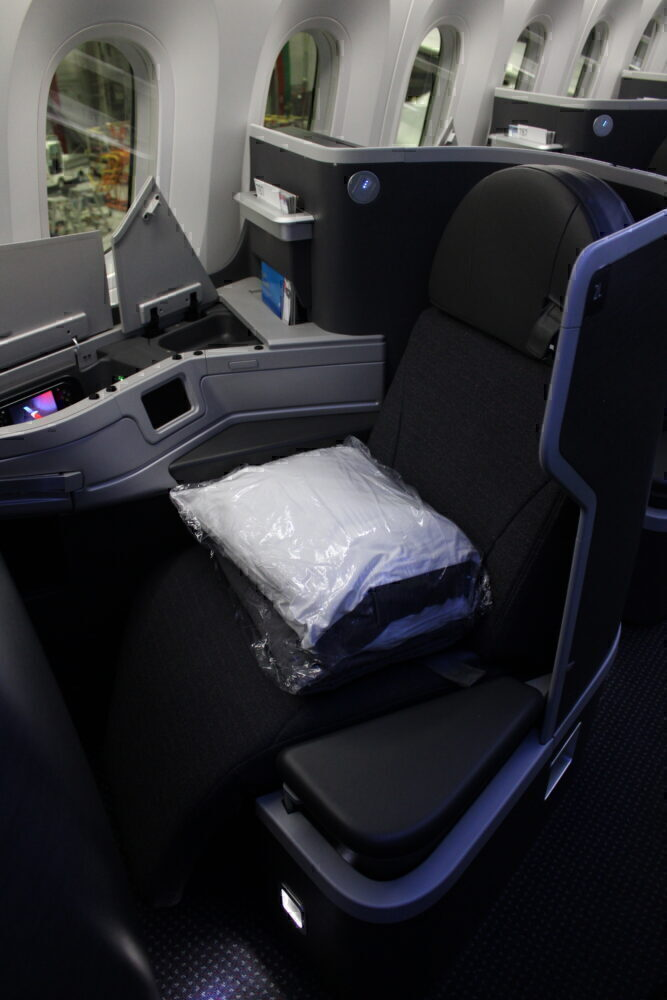 American 787 business class