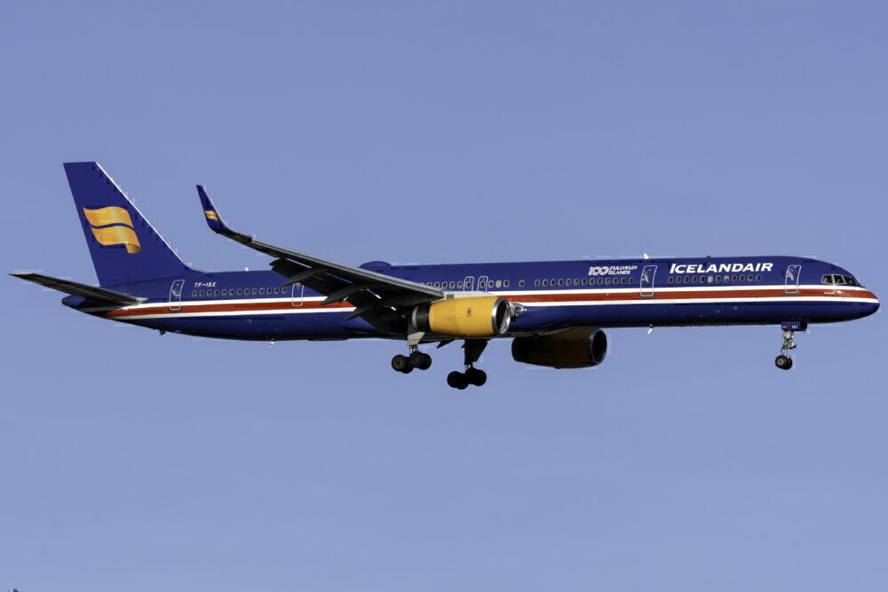 Icelandair Boeing 757-300 JFK