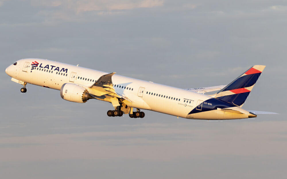 LATAM Boeing 787 taking off